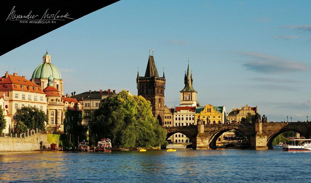 Boat ride along the Vltava-river